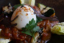 Un déjeuner ensoleillé chez Mavrommatis – Passy